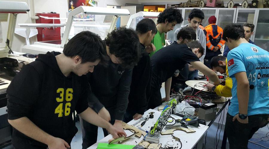 Fen ve Teknoloji Lisesi Öğrencileri 'Kuyu'ya El Uzattı